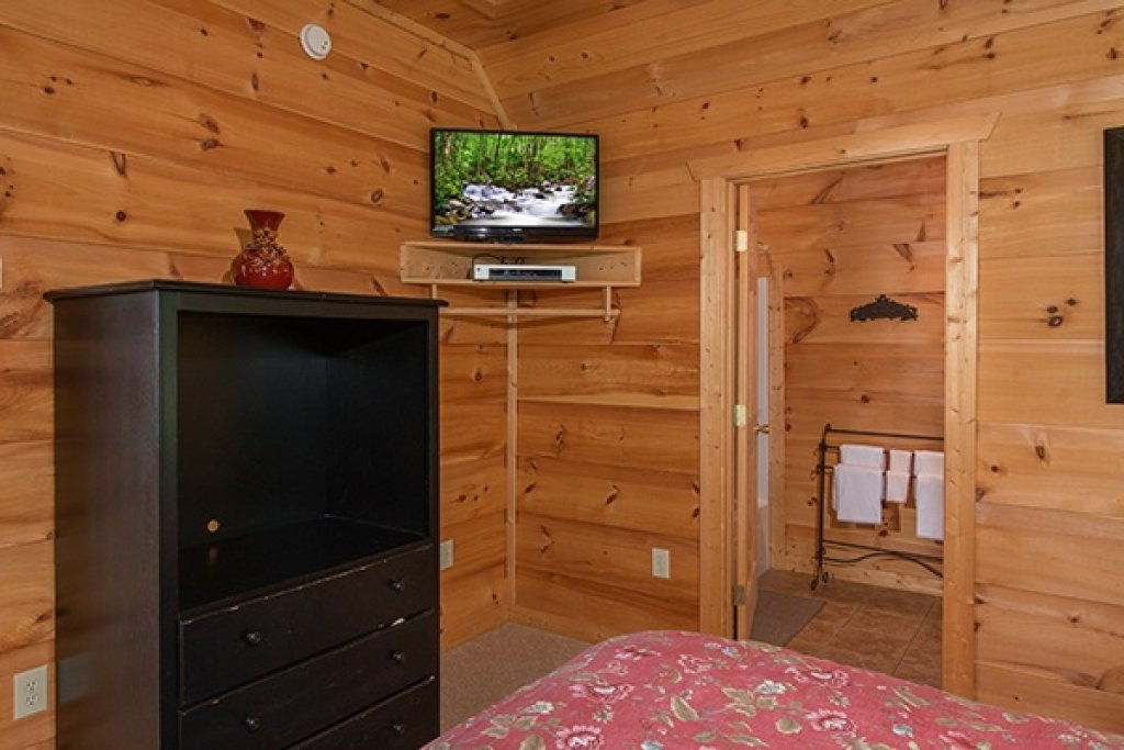 Photo of a Gatlinburg Cabin named Oh So Viewtiful - This is the sixteenth photo in the set.
