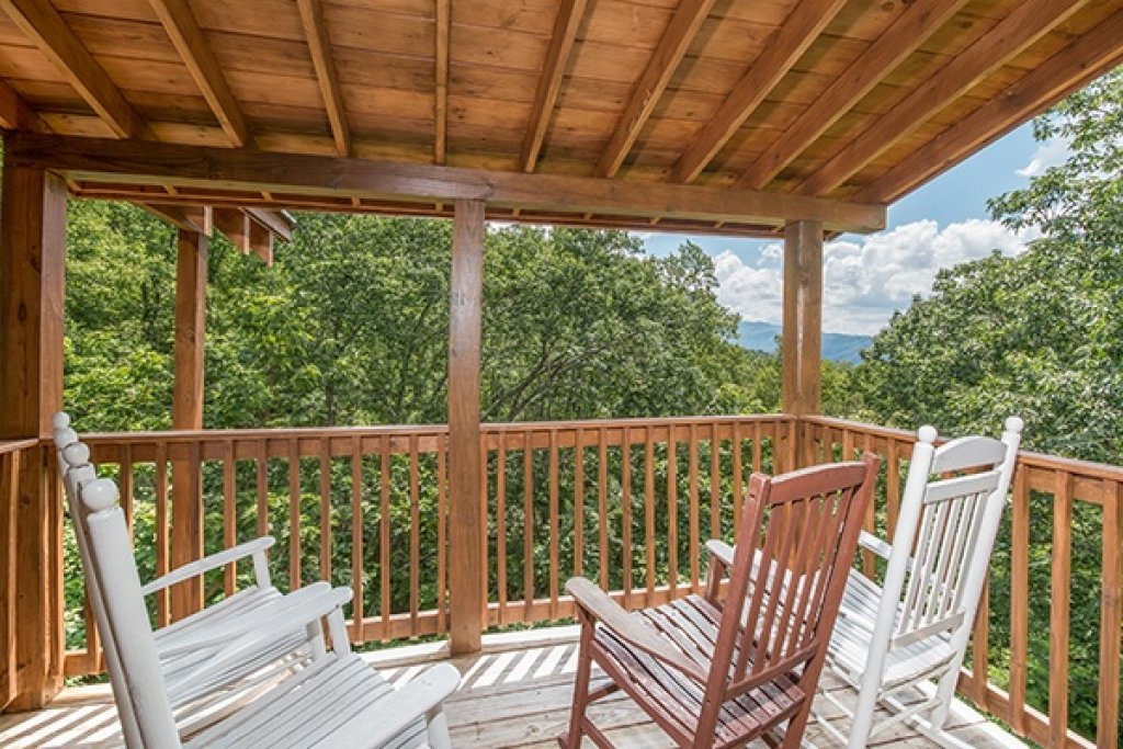 Photo of a Gatlinburg Cabin named Oh So Viewtiful - This is the eighteenth photo in the set.