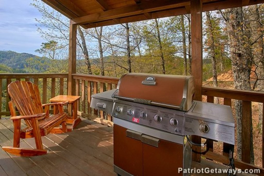 Photo of a Sevierville Cabin named Privacy & A View - This is the nineteenth photo in the set.