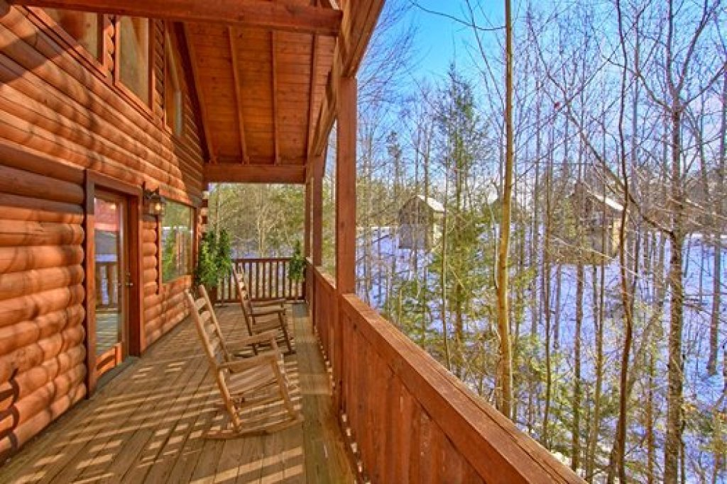 Photo of a Pigeon Forge Cabin named Secluded Pleasure - This is the eighth photo in the set.