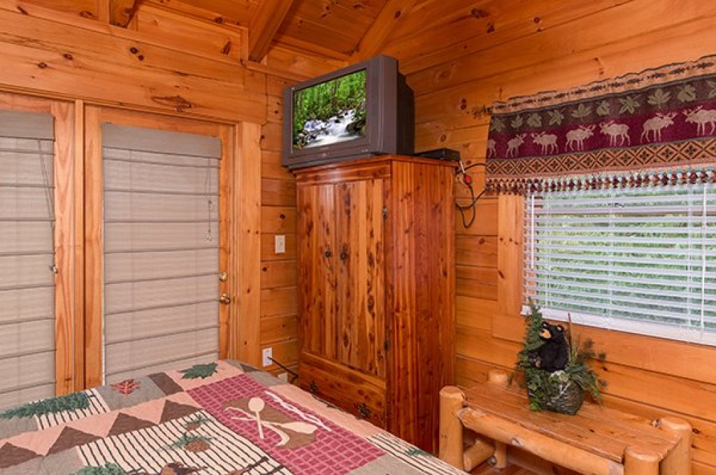 Photo of a Pigeon Forge cabin named 1 Amazing View - This is the tenth photo in the set.