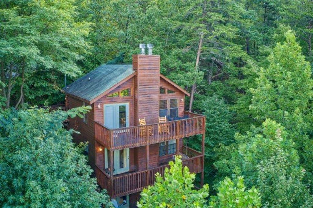 Photo of a Gatlinburg Cabin named A View For You - This is the first photo in the set.
