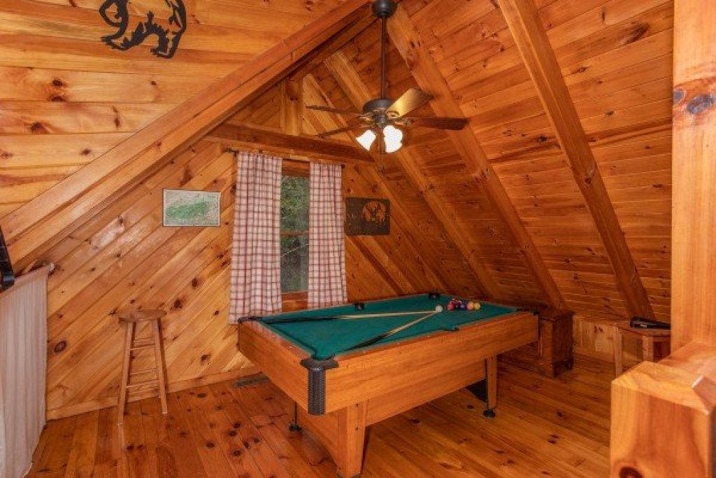 Photo of a Sevierville Cabin named Cabin In The Woods - This is the fifteenth photo in the set.