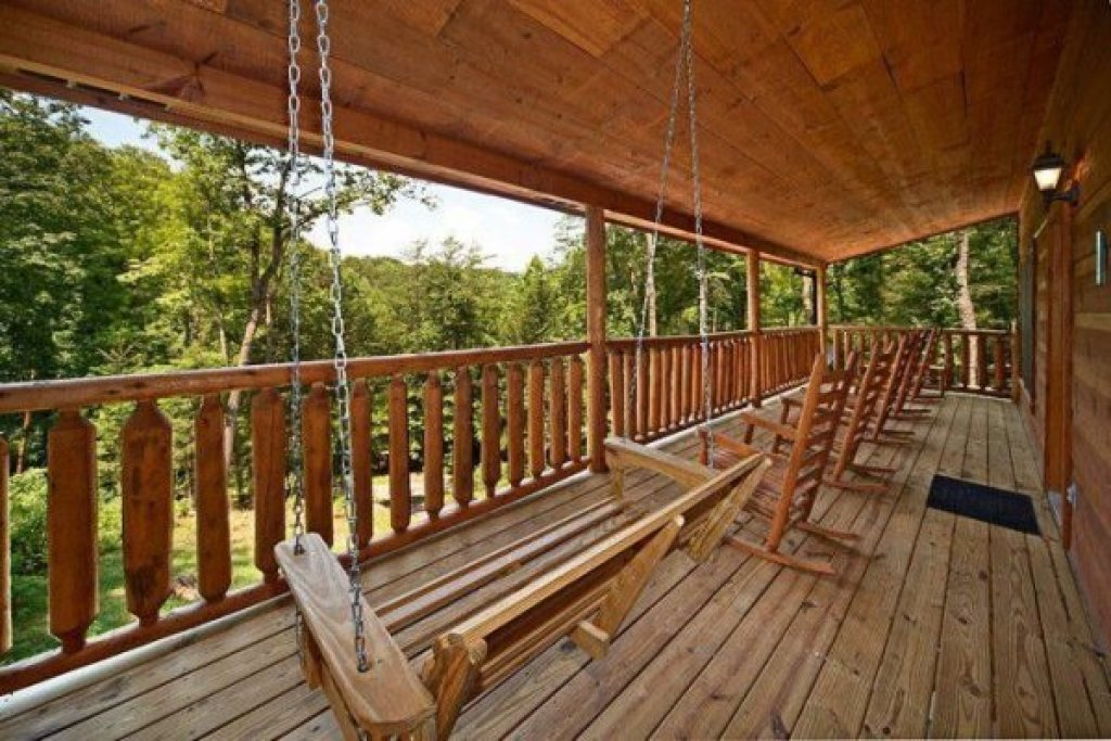 Photo of a Gatlinburg Cabin named Just Relax - This is the eighth photo in the set.