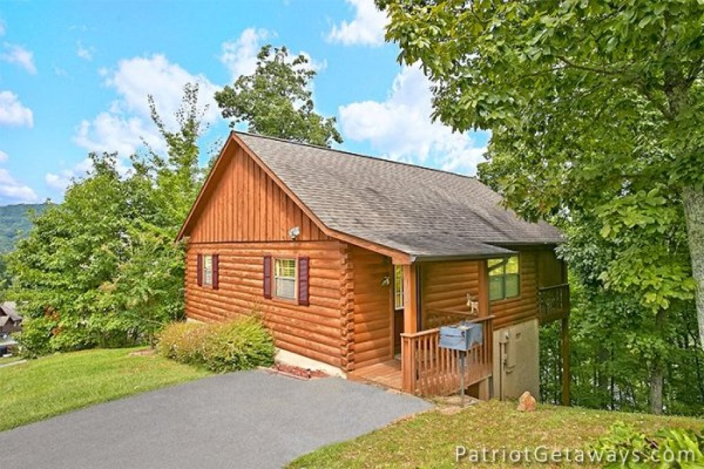 Photo of a Pigeon Forge Cabin named Always Together Forever - This is the second photo in the set.