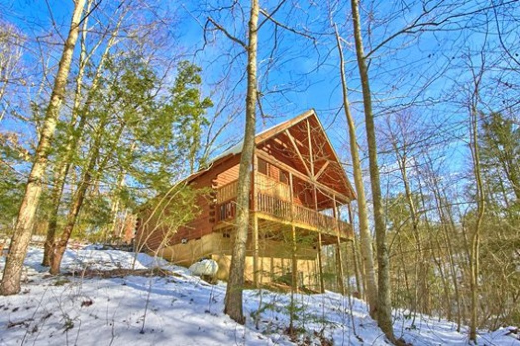 Photo of a Pigeon Forge Cabin named Secluded Pleasure - This is the first photo in the set.