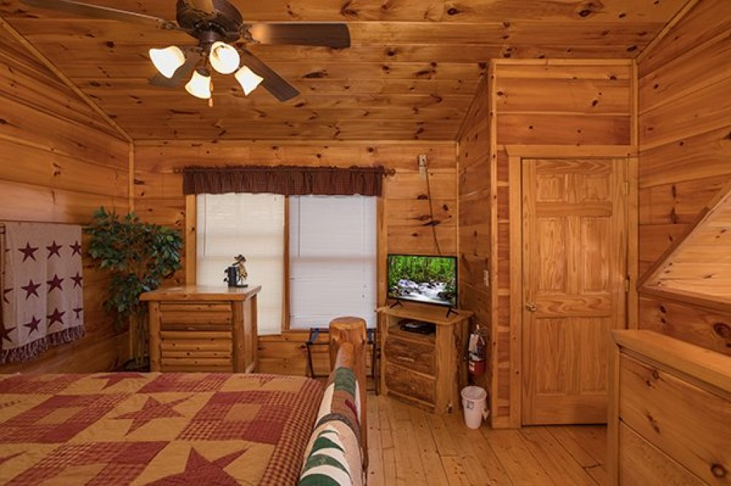 Photo of a Gatlinburg Cabin named Just Relax - This is the twenty-first photo in the set.