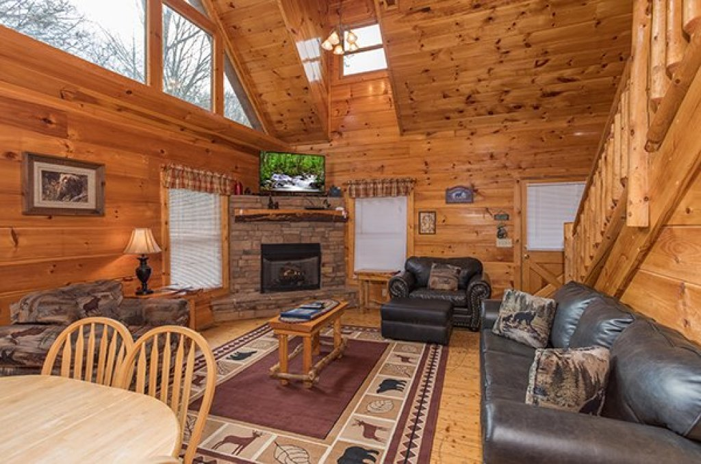 Photo of a Gatlinburg Cabin named Just Relax - This is the second photo in the set.