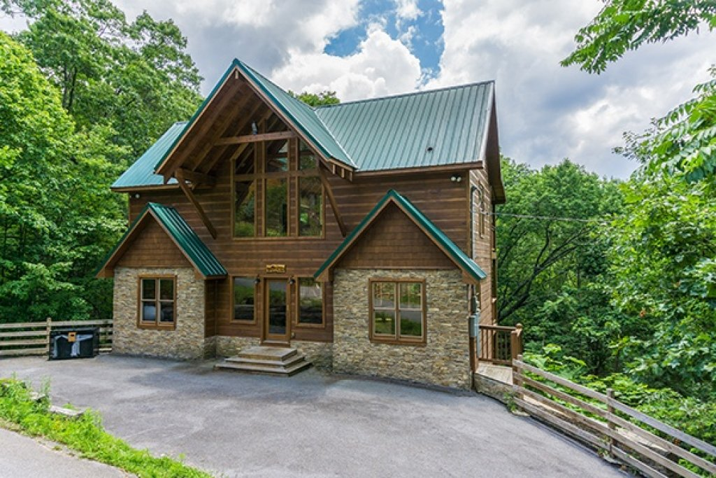 Photo of a Gatlinburg Cabin named Oh So Viewtiful - This is the second photo in the set.