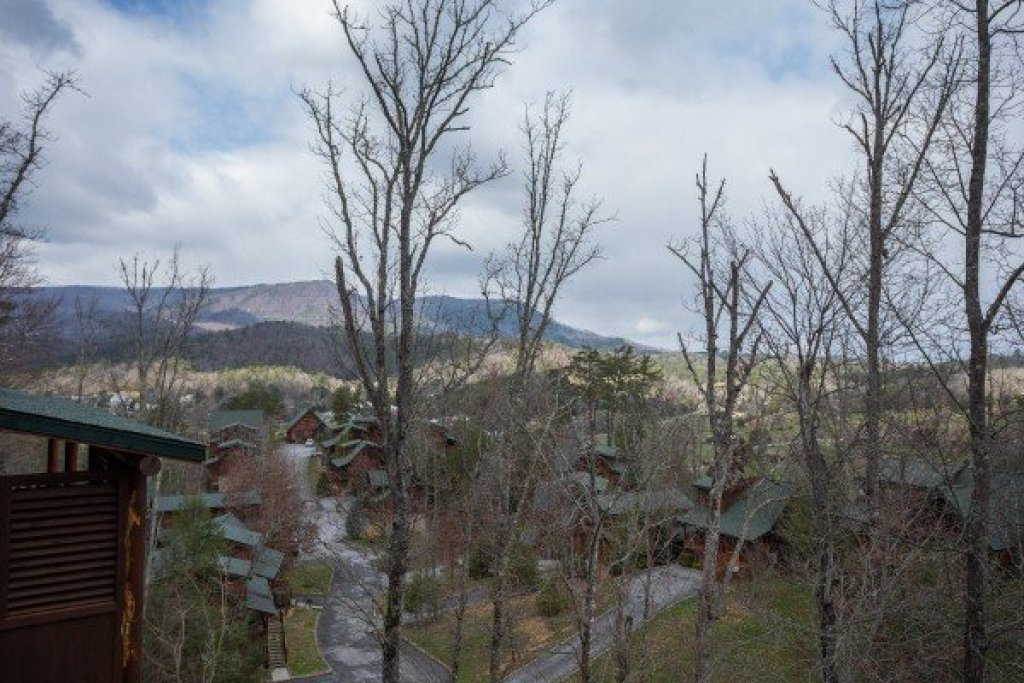 Photo of a Sevierville Cabin named Heaven On Earth - This is the second photo in the set.