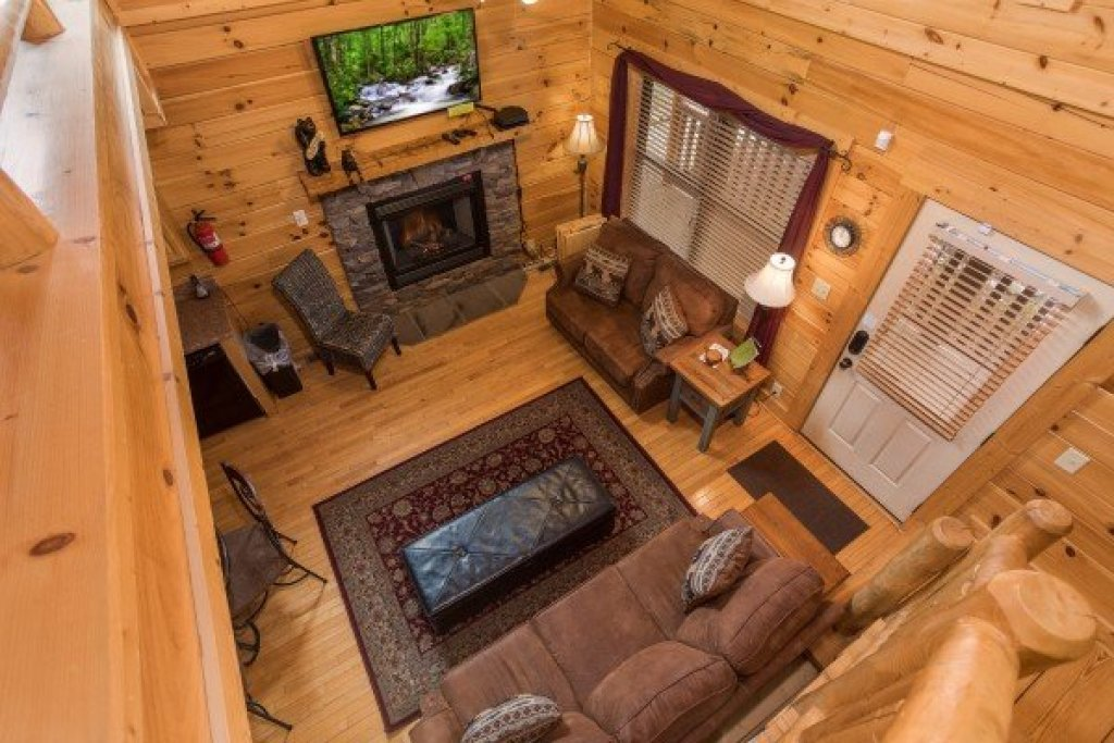 Photo of a Sevierville Cabin named Heaven On Earth - This is the fourteenth photo in the set.