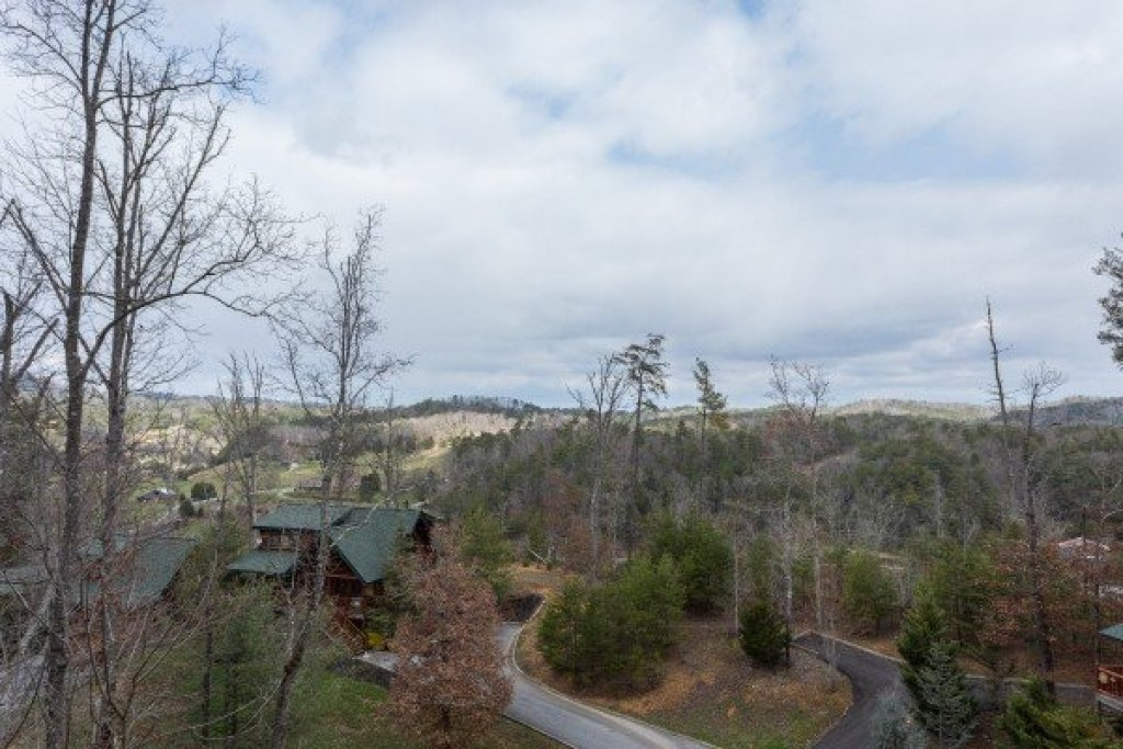 Photo of a Sevierville Cabin named Heaven On Earth - This is the nineteenth photo in the set.