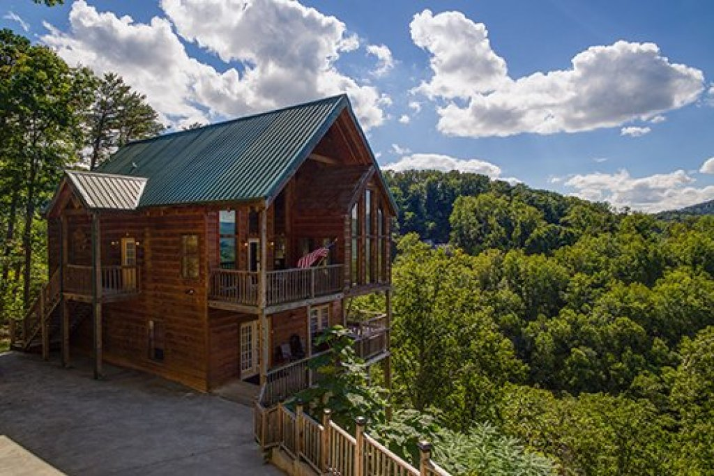 Photo of a Sevierville Cabin named Auburn Sky - This is the thirty-third photo in the set.