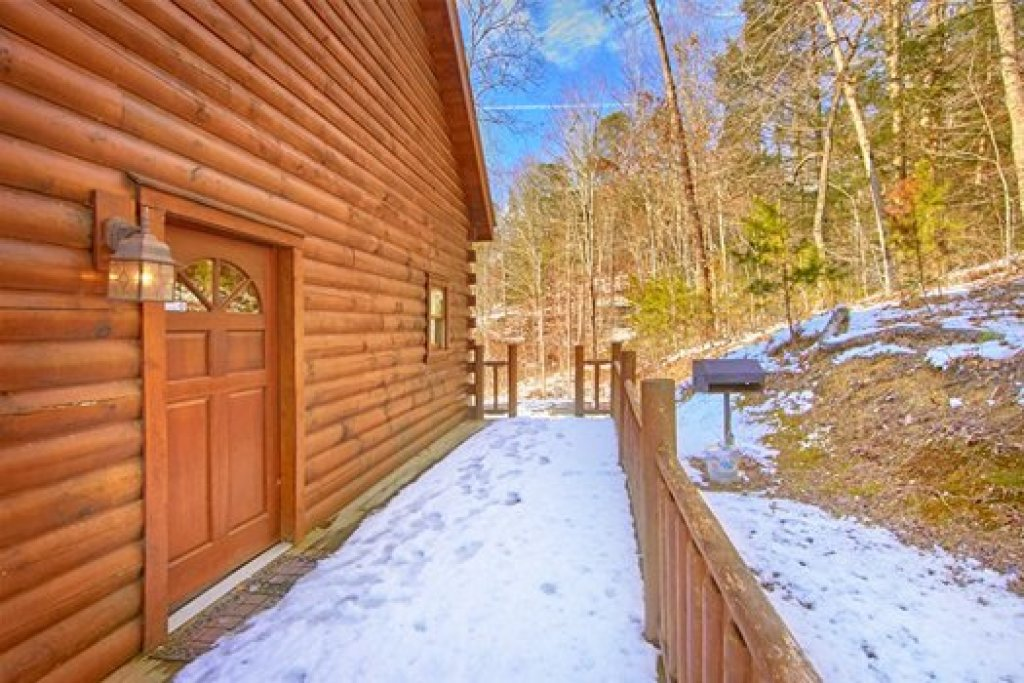 Photo of a Pigeon Forge Cabin named Secluded Pleasure - This is the twelfth photo in the set.