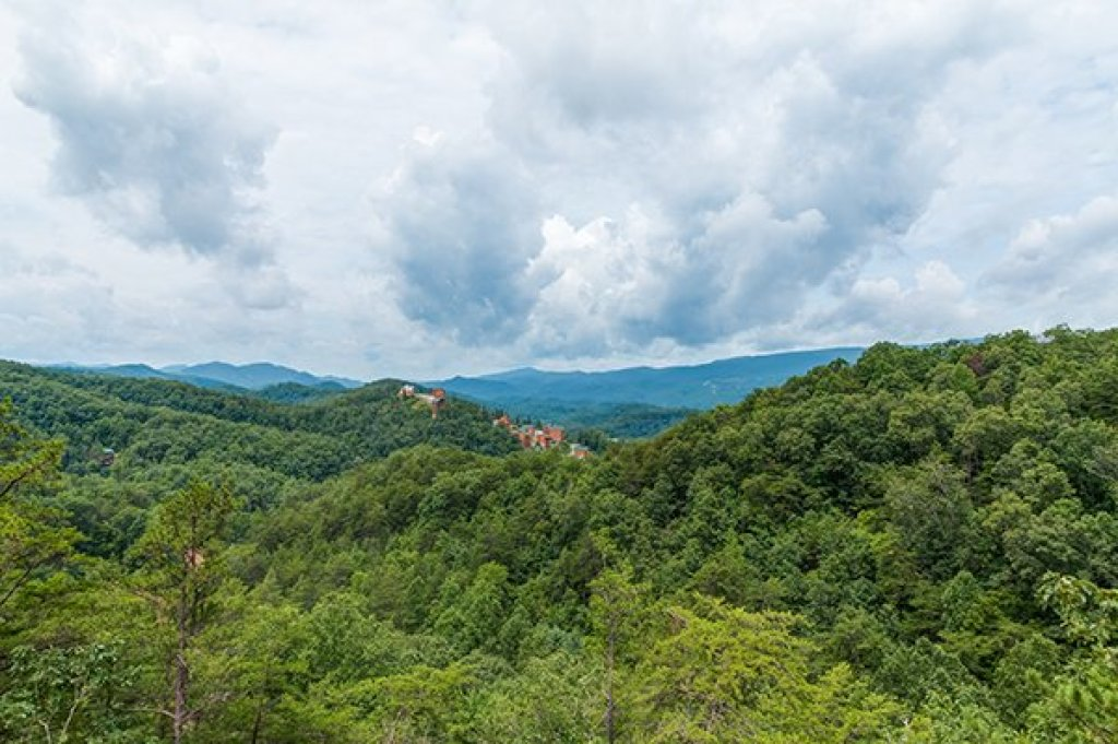 Photo of a Pigeon Forge cabin named 1 Amazing View - This is the third photo in the set.
