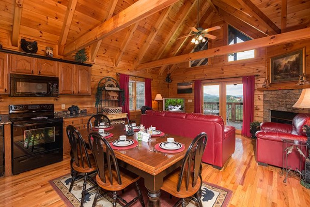 Photo of a Pigeon Forge Cabin named 1 Amazing View - This is the sixth photo in the set.