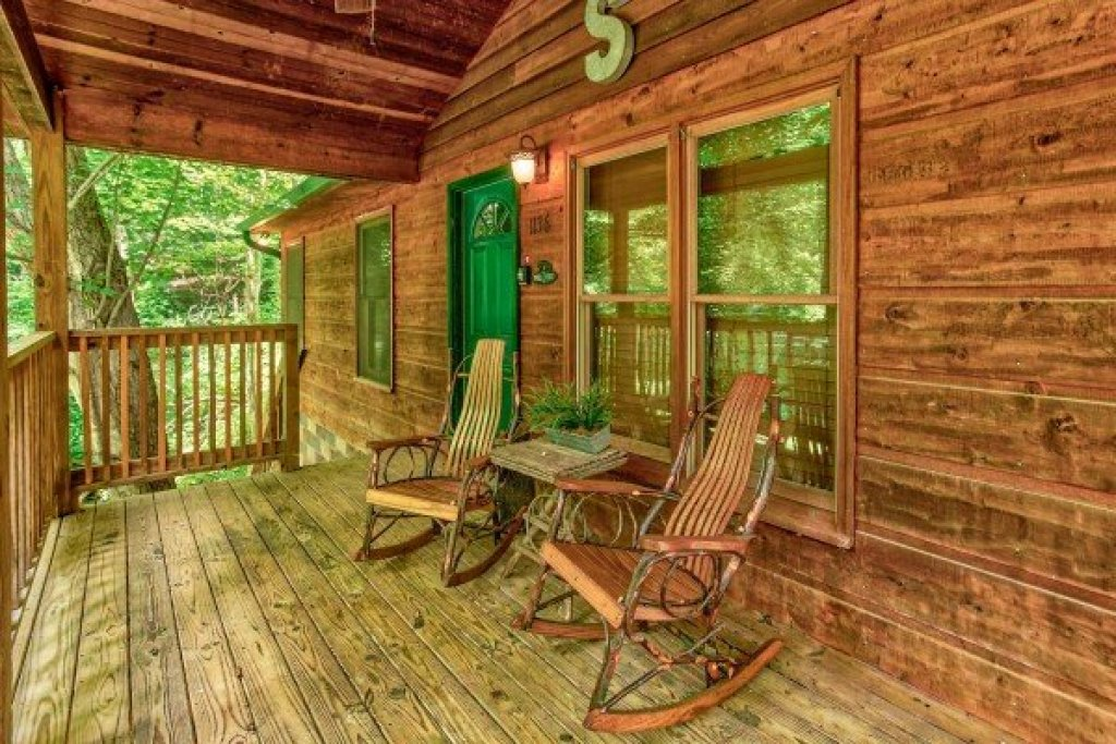 Photo of a Gatlinburg Cabin named Kabbe Bear Cabin - This is the seventeenth photo in the set.