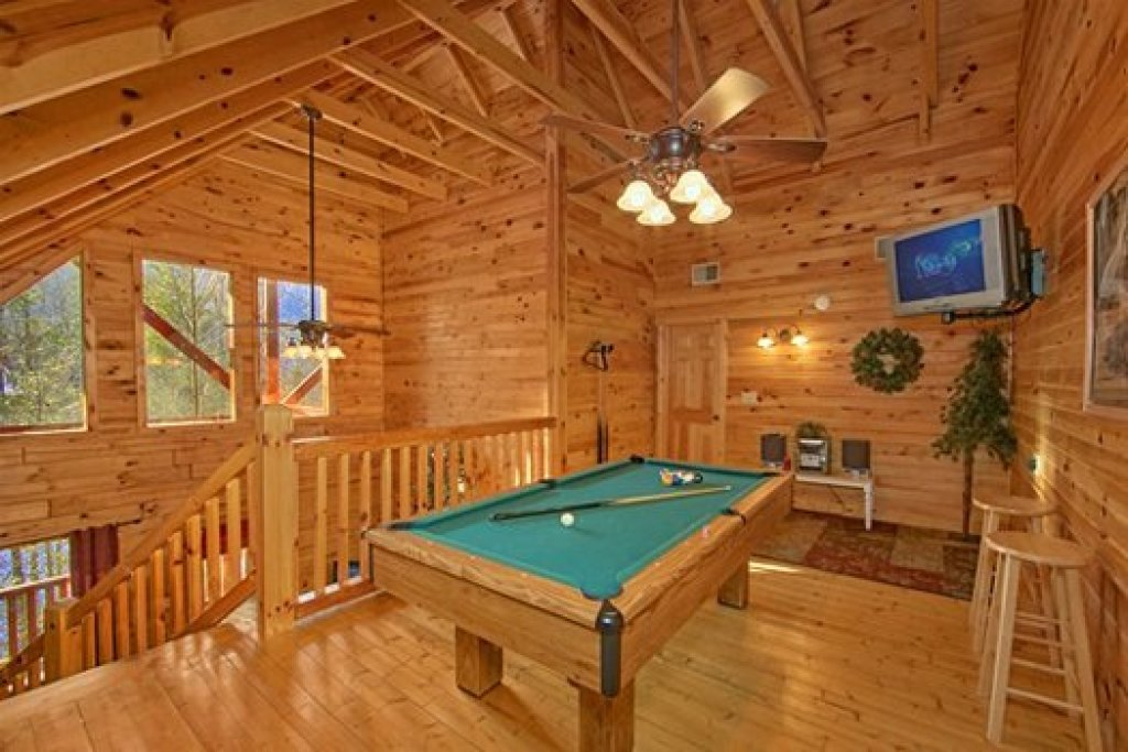 Photo of a Pigeon Forge Cabin named Secluded Pleasure - This is the tenth photo in the set.