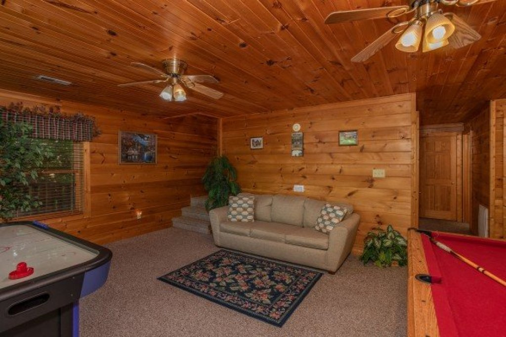 Photo of a Pigeon Forge Cabin named Angel's Majestic View - This is the nineteenth photo in the set.