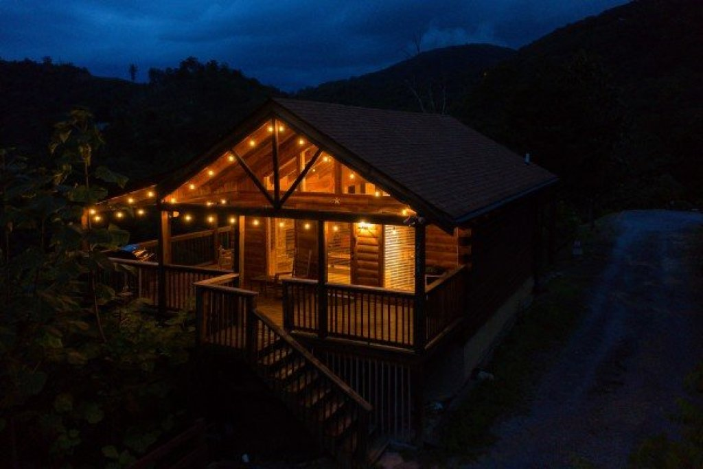 Photo of a Sevierville Cabin named Knotty Nest - This is the nineteenth photo in the set.