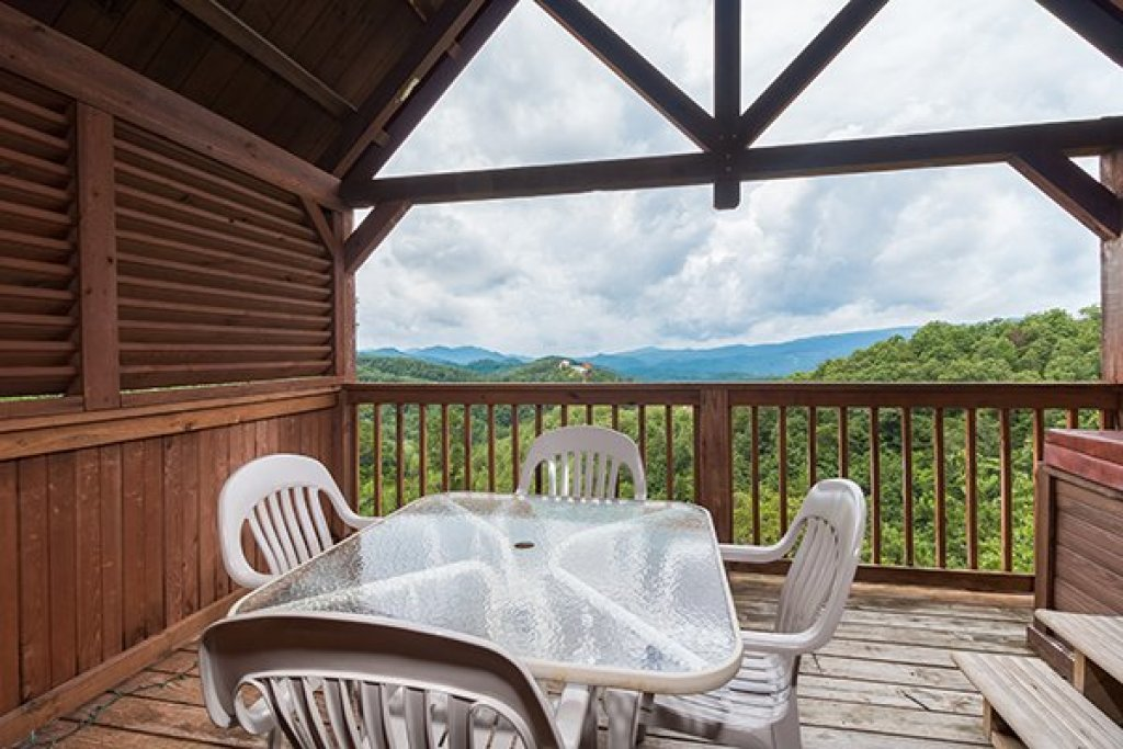 Photo of a Pigeon Forge Cabin named 1 Amazing View - This is the seventh photo in the set.