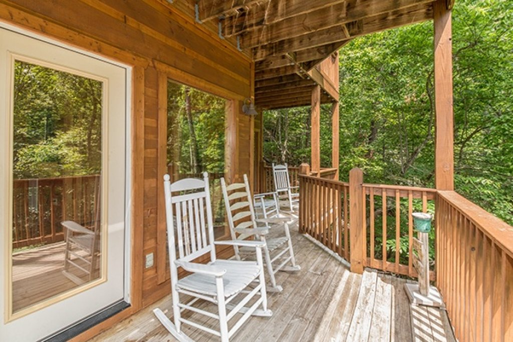 Photo of a Gatlinburg Cabin named Oh So Viewtiful - This is the thirtieth photo in the set.