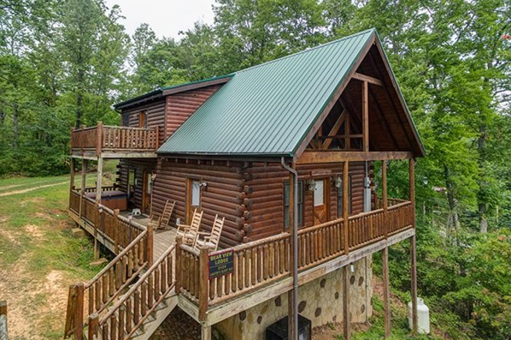 Photo of a Gatlinburg Cabin named Bear View Lodge - This is the first photo in the set.