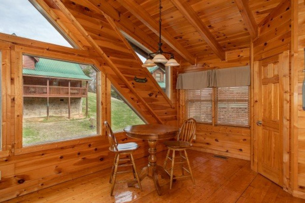 Photo of a Pigeon Forge Cabin named Blackberry Delite - This is the sixteenth photo in the set.