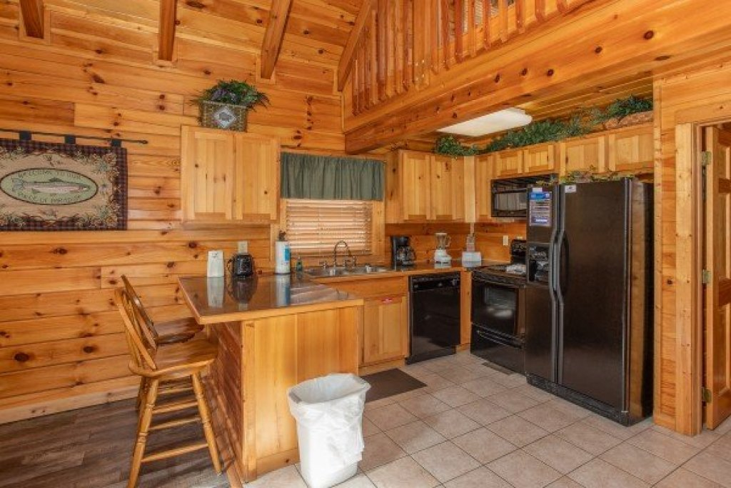 Photo of a Pigeon Forge Cabin named Blackberry Delite - This is the fifth photo in the set.