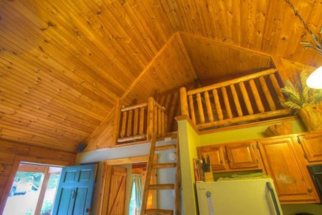 Photo of a Sevierville Cabin named Golden Memories - This is the sixteenth photo in the set.