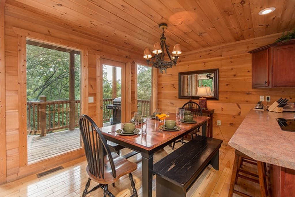 Photo of a Gatlinburg Cabin named Oh So Viewtiful - This is the seventh photo in the set.