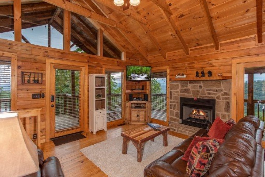 Photo of a Sevierville Cabin named Knotty Nest - This is the fourth photo in the set.
