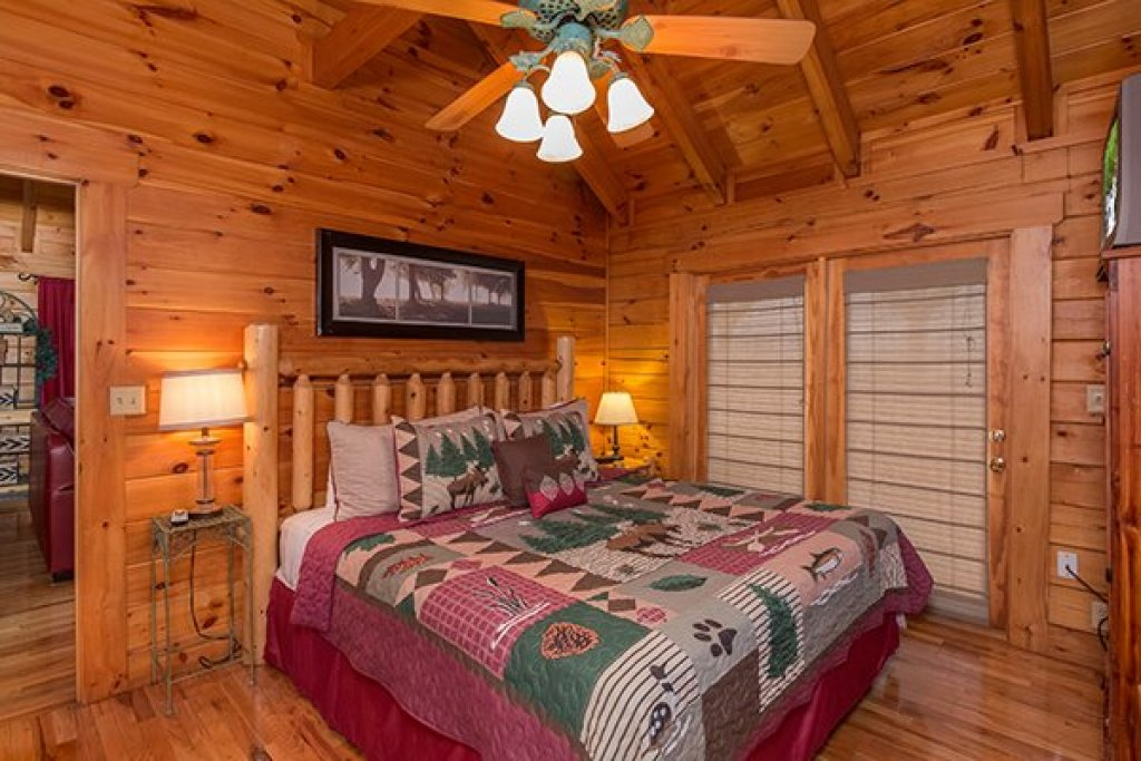 Photo of a Pigeon Forge Cabin named 1 Amazing View - This is the ninth photo in the set.
