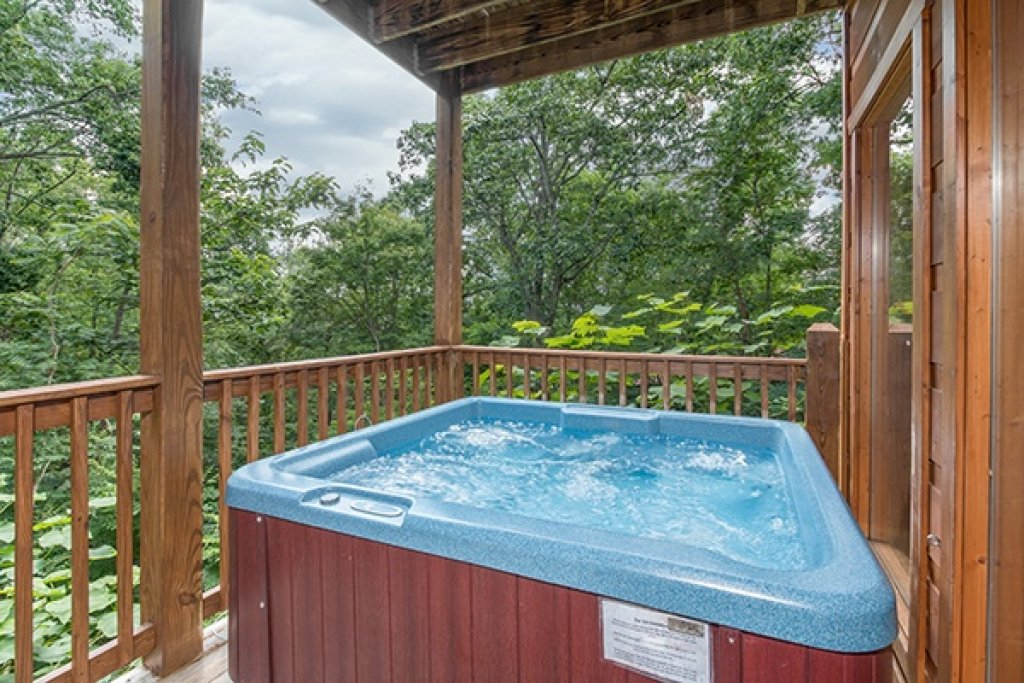 Photo of a Gatlinburg Cabin named Oh So Viewtiful - This is the twenty-ninth photo in the set.