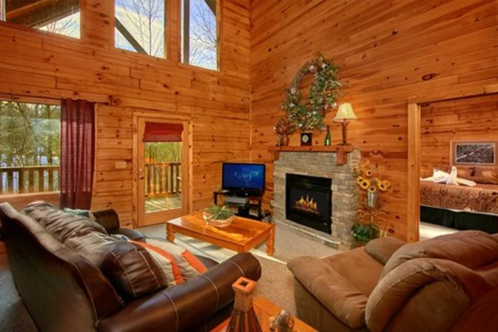 Photo of a Pigeon Forge Cabin named Secluded Pleasure - This is the fourth photo in the set.