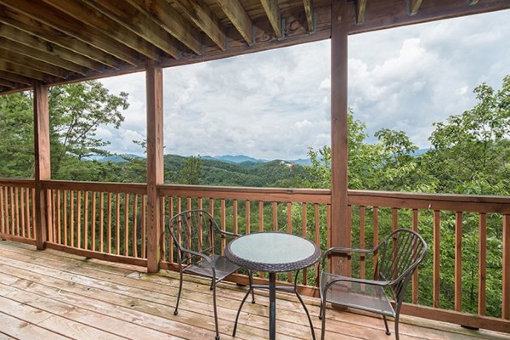 Photo of a Pigeon Forge Cabin named 1 Amazing View - This is the twenty-first photo in the set.