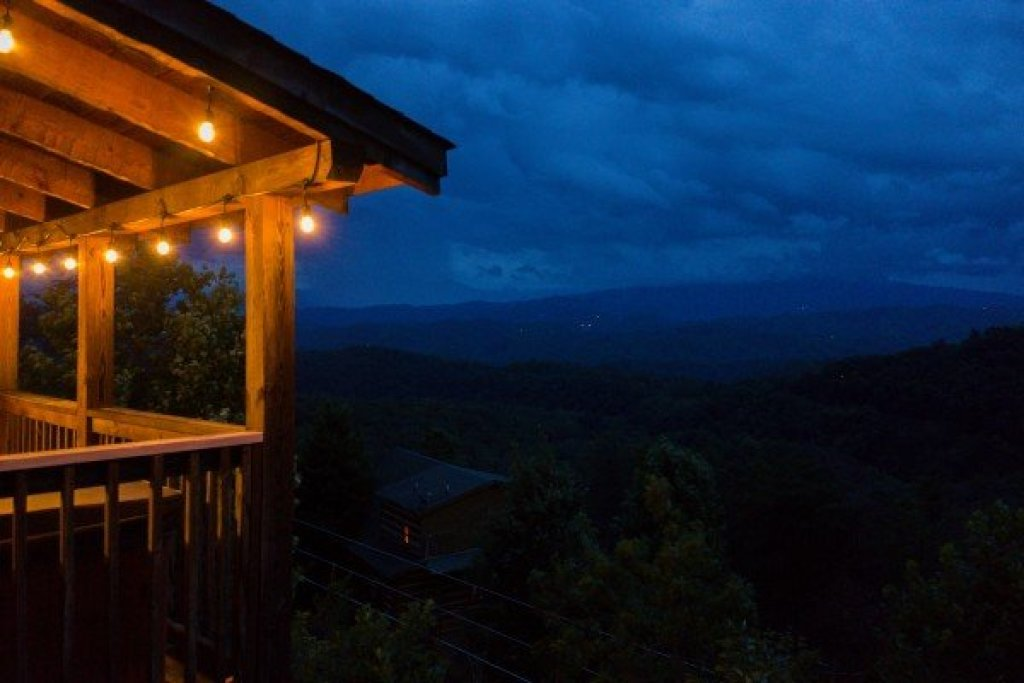 Photo of a Sevierville Cabin named Knotty Nest - This is the tenth photo in the set.