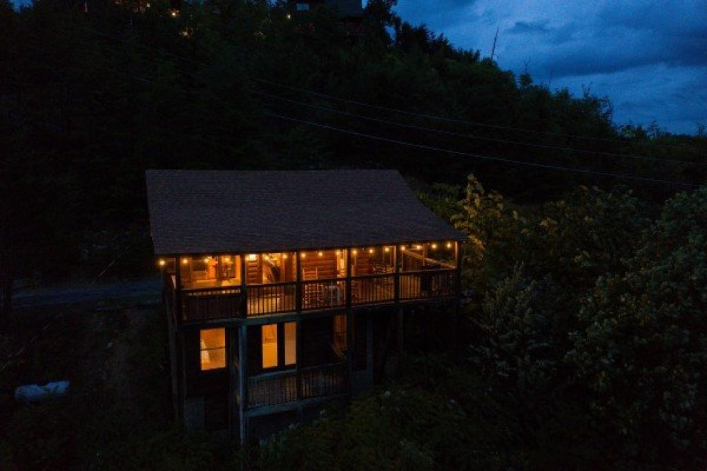 Photo of a Sevierville Cabin named Knotty Nest - This is the twenty-first photo in the set.