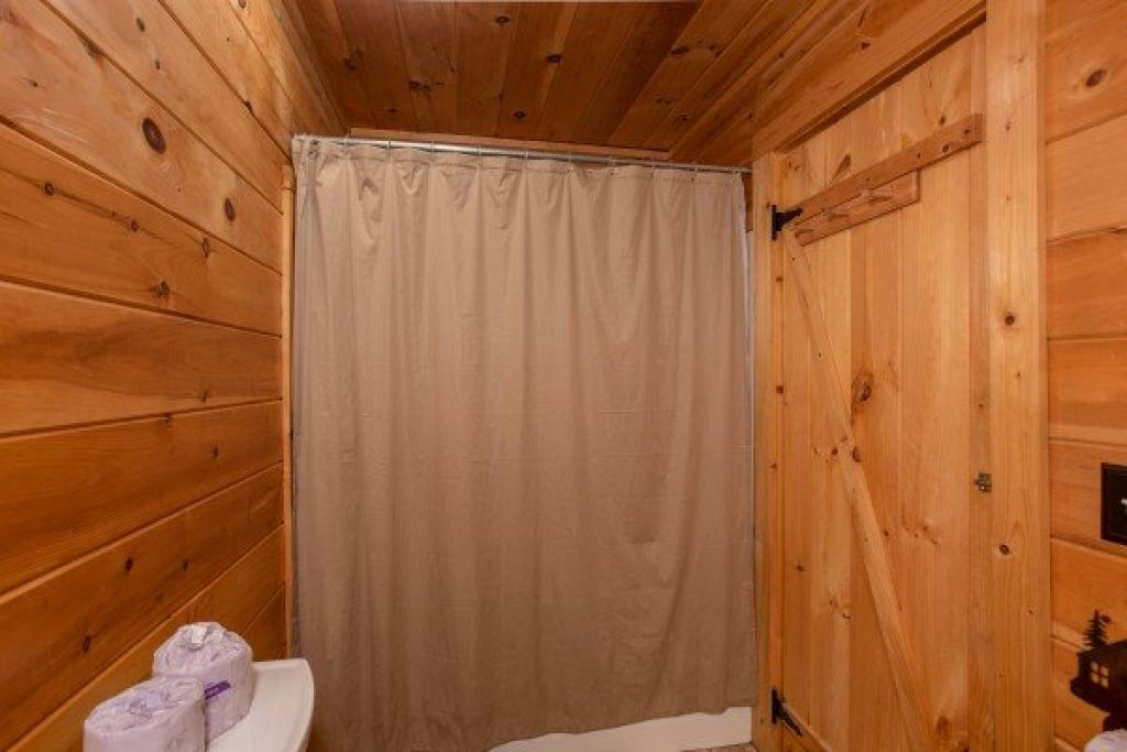 Photo of a Sevierville Cabin named Knotty Nest - This is the fifteenth photo in the set.