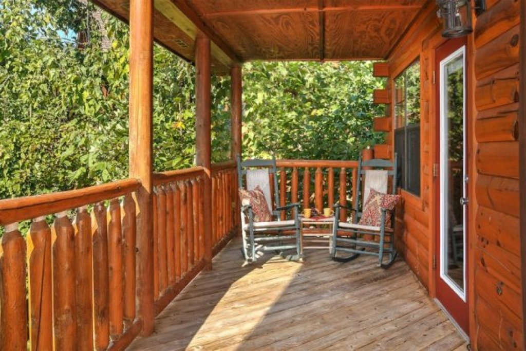 Photo of a Pigeon Forge Cabin named Kick Back & Relax! - This is the twenty-second photo in the set.