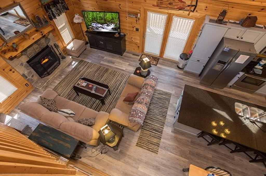 Photo of a Sevierville Cabin named Lake Life - This is the fifteenth photo in the set.