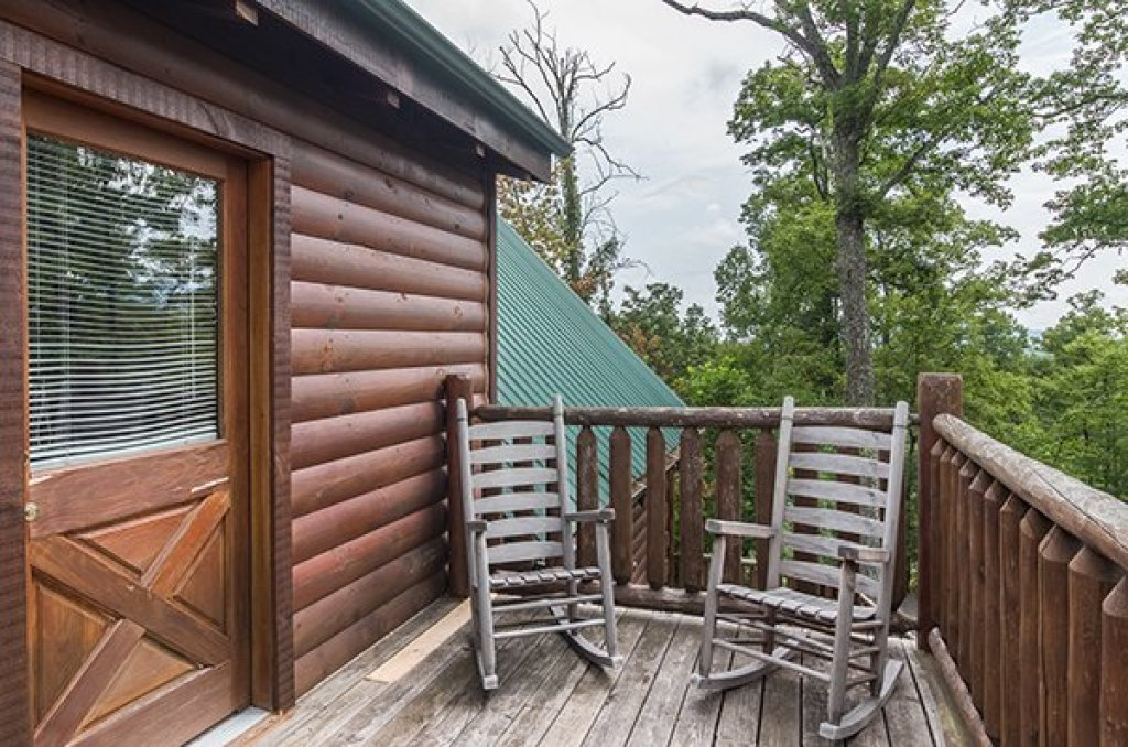 Photo of a Gatlinburg Cabin named Bear View Lodge - This is the seventeenth photo in the set.