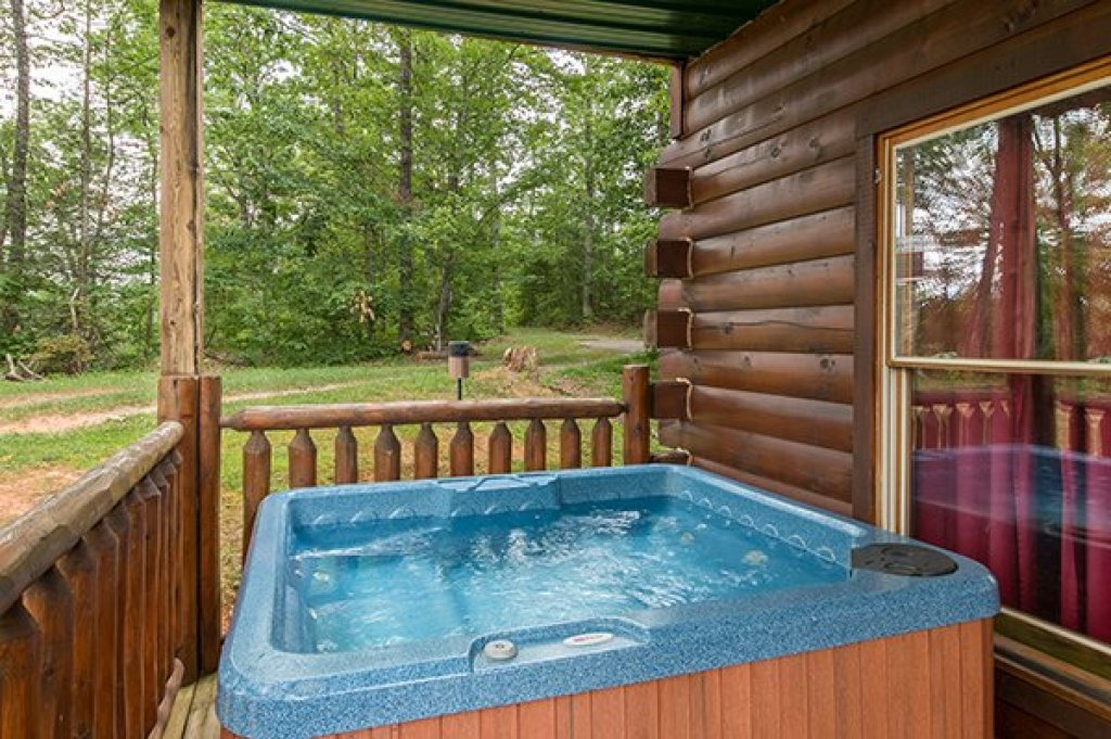 Photo of a Gatlinburg Cabin named Bear View Lodge - This is the tenth photo in the set.