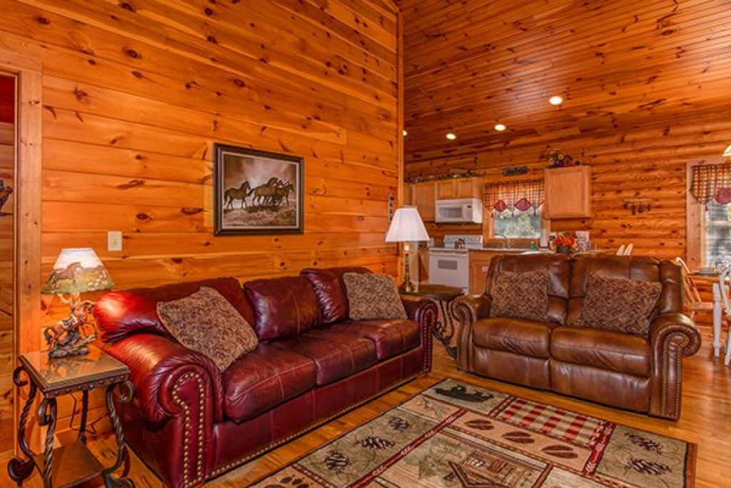 Photo of a Pigeon Forge Cabin named Lookout Ridge - This is the sixth photo in the set.