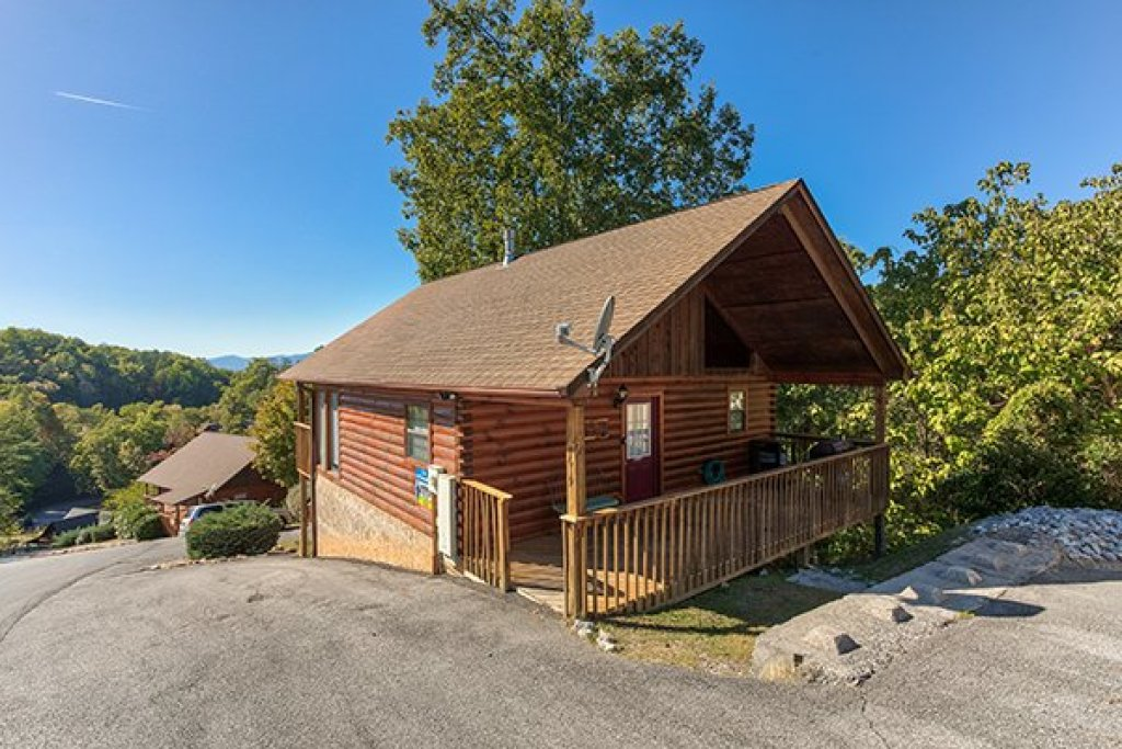 Photo of a Pigeon Forge Cabin named I Do - This is the first photo in the set.