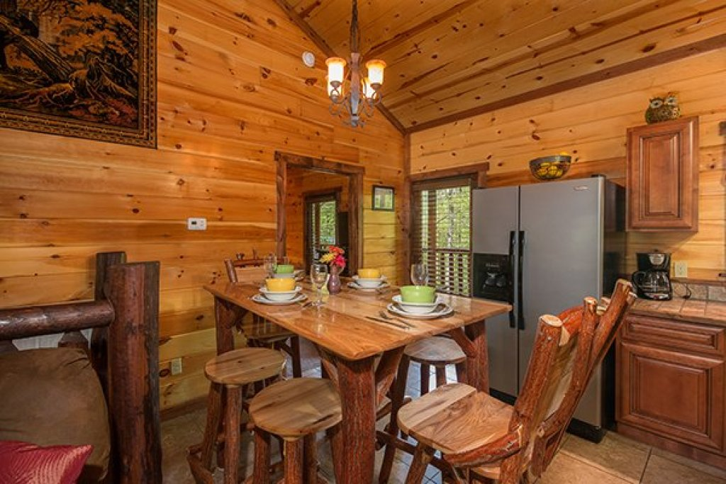 Photo of a Sevierville Cabin named Tennessee Treasure - This is the fourth photo in the set.