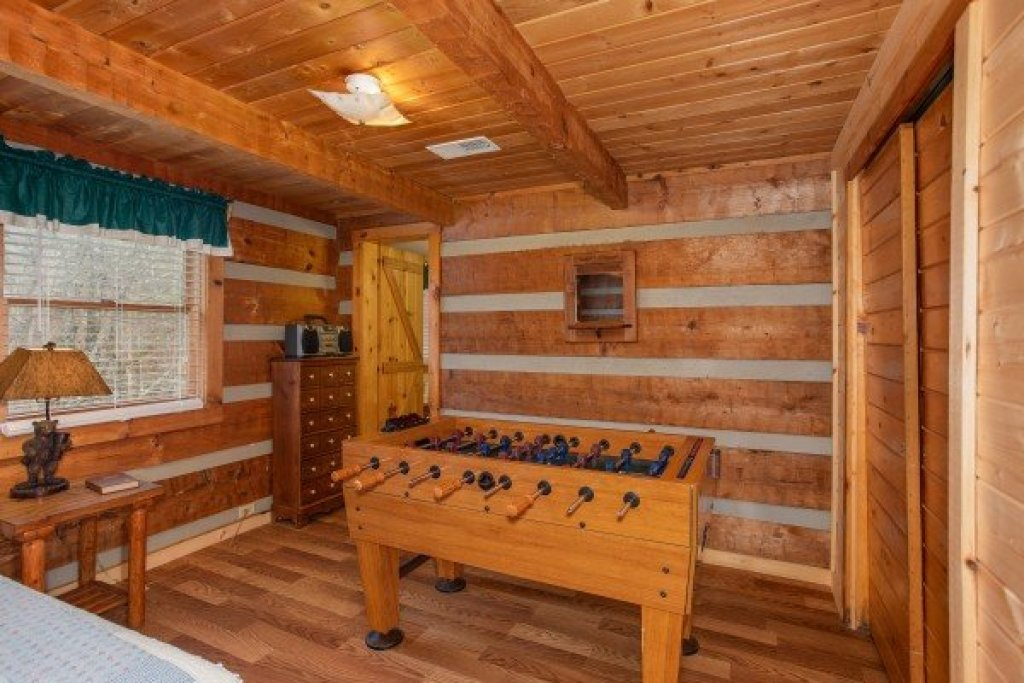 Photo of a Sevierville Cabin named Trails End - This is the eleventh photo in the set.