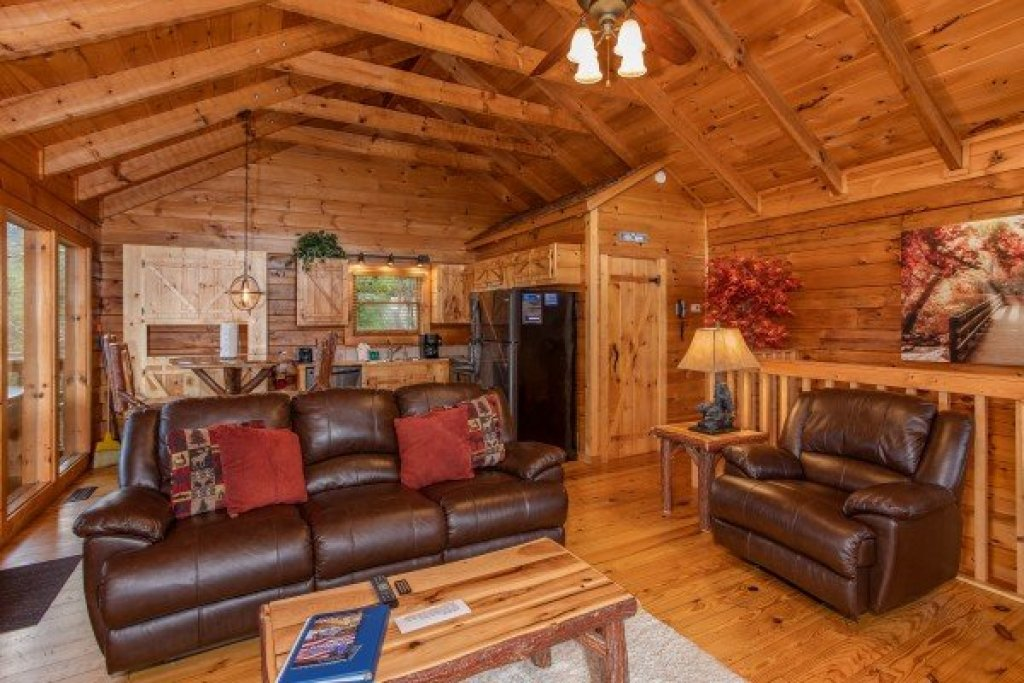 Photo of a Sevierville Cabin named Knotty Nest - This is the fifth photo in the set.