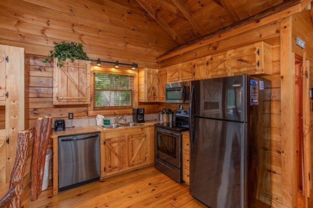 Photo of a Sevierville Cabin named Knotty Nest - This is the seventh photo in the set.