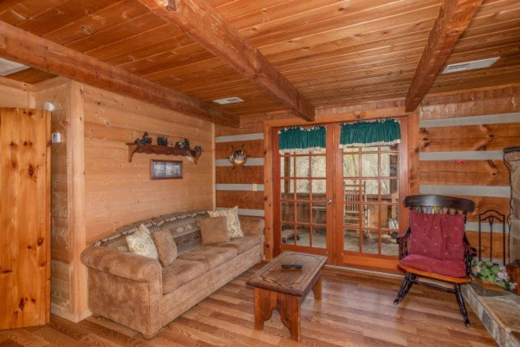 Photo of a Sevierville Cabin named Trails End - This is the fourth photo in the set.
